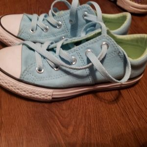 Girls size 1 baby blue converse